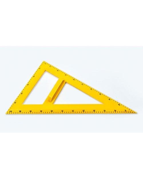М004 - Пластичан  неједнакостранични троугао